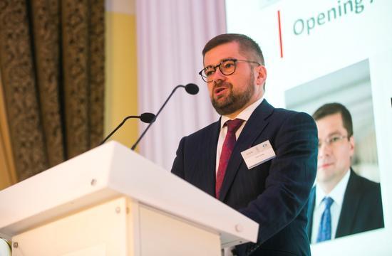 波兰经济发展部副部长Paweł Chorąży先生致辞