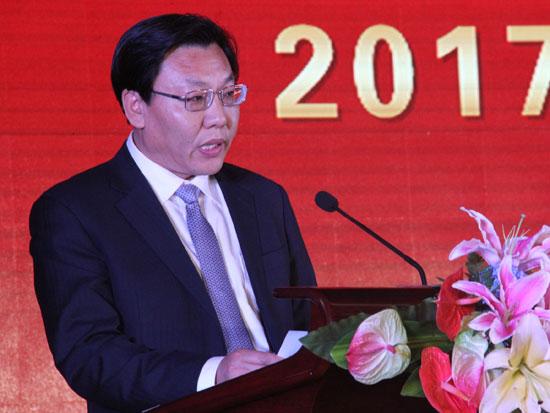 中国商业联合会副会长兼秘书长王民