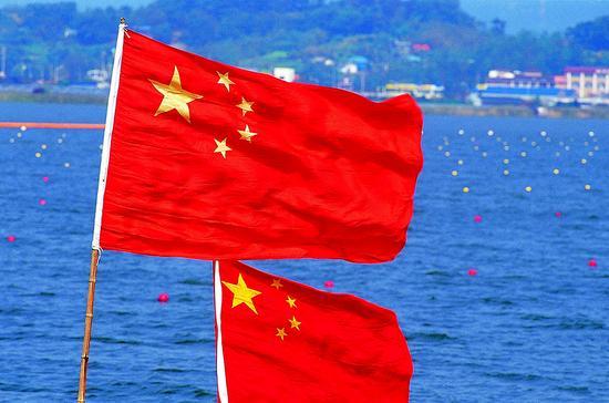 """十九大将促中国经济进入""""大而渐强""""新阶段"""