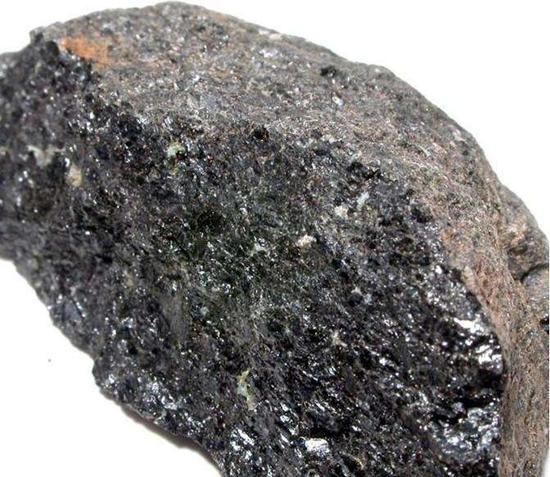 加快铁矿石期货国际化业务落地
