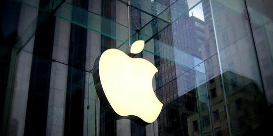 苹果公司独自迈入9000亿美元市值俱乐部