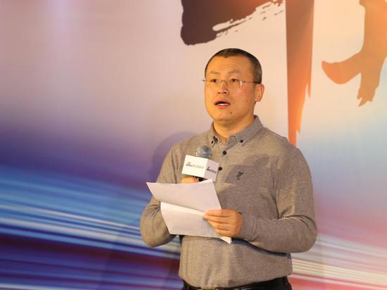 图为新浪网副总裁邓庆旭。(摄影 张锐)