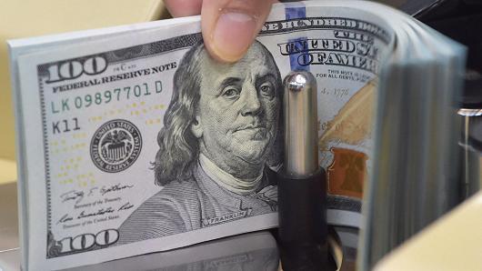 美国家庭净财富与收入比创新高 或预示经济衰退
