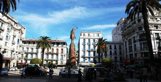 伊萨克·迪瓦:阿尔及利亚的第二次阿拉伯之春?