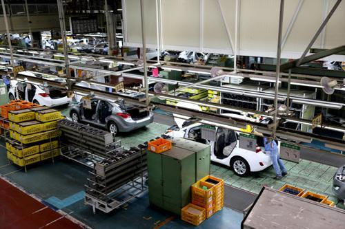 代工VS掌握制造:裸泳者出现 产业链成新造车者生死关