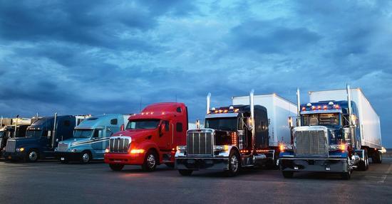随着电商迅速发展 美国急需5万卡车司机