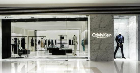 美服装巨头PVH拟关闭162家门店 裁员450人