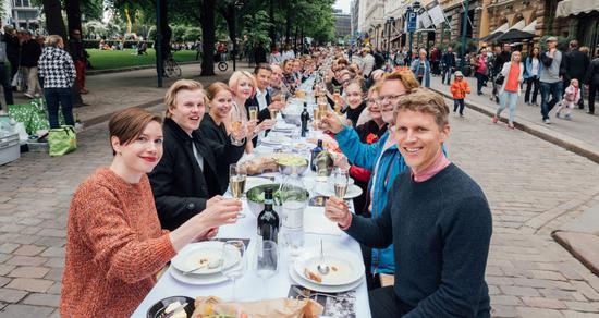 芬兰蝉联全球最幸福国家 美国人幸福感持续下降