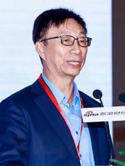 华泰保险集团董事长王梓木