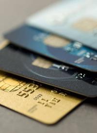 逾期危机加剧 信用卡还款规则生变 /