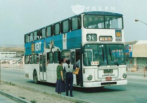 图8-2 90年代的双层巴士
