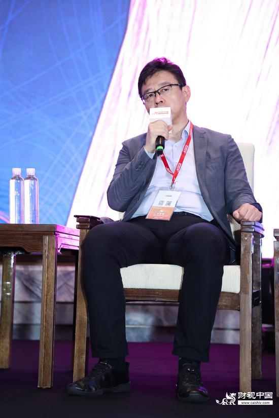 景林资产田峰:看好互联网、制造业、教育、医药领域机会