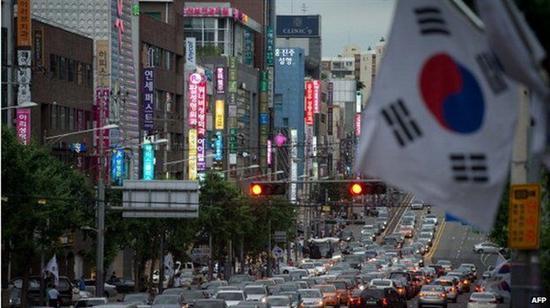 德赢怎么成为会员-林郑月娥:香港经济恢复元气需先停止暴力