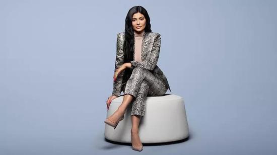 """《福布斯》把凯莉·詹娜列为世界最年轻的白手起家亿万富豪,在社交媒体上重燃关于""""白手起家""""的争论。图片来源:JAMEL TOPPIN"""