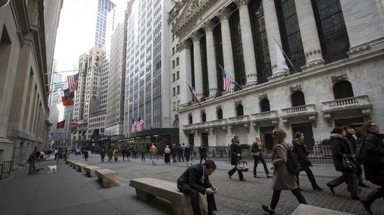 华尔街巨头摩拳擦掌 迎合疫情期间荷包更满的富人