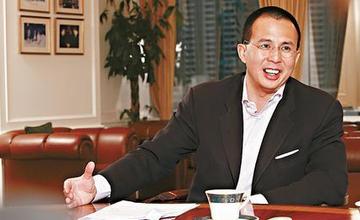 放棄騰訊上萬億股權 李嘉誠次子李澤楷的保險野心有多大?