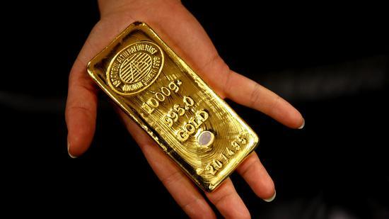 周四黄金期货收跌0.5% 创近两周新低