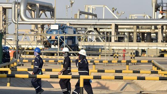 阿兴网赚被抓_美国原油期货价格周一收跌0.7%