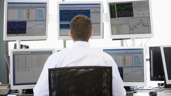 尾盘:关注国际贸易关系进展 美股维持涨势