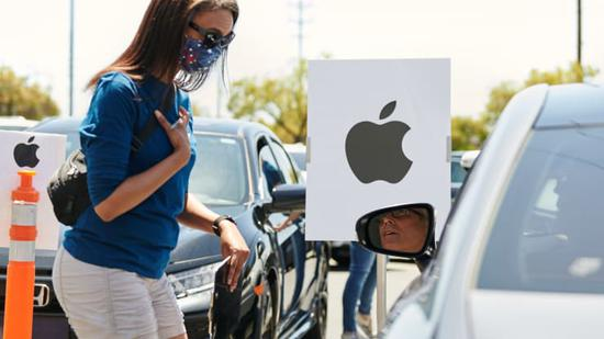 苹果公司本周将重开约100家美国门店