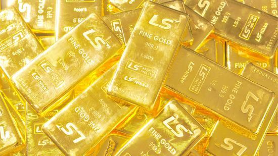 黄金期货周四收跌0.9% 守住1800美元关口