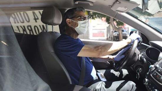 "Uber要求乘客和驾驶员""无限期""佩戴口罩"