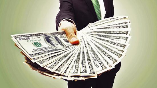 美企CEO平均薪酬40年间增长1167%