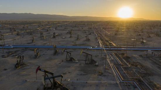 周一布油收跌0.9% 美油跌1.1%
