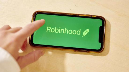 """巴菲特:Robinhood是将""""赌场特质""""渗透股市的驱动者"""
