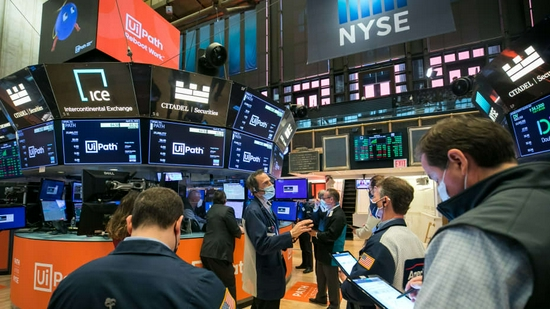 美股盘前:市场风险情绪趋稳 股指期货微微上扬