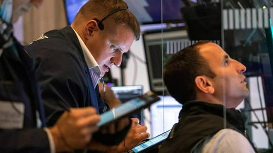 美股盘前:股指期货小幅走低 对疫情的担忧笼罩市场