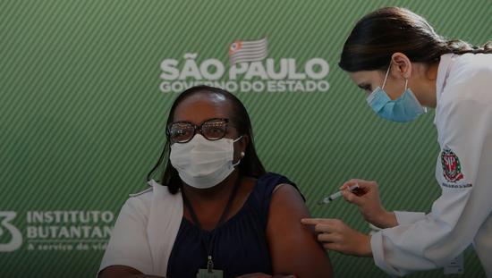 巴西批准科兴生物与阿斯利康新冠疫苗紧急使用