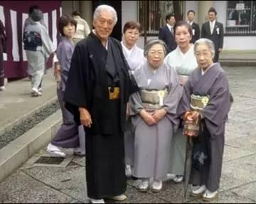 老年人口4000万 日本2040年社保面临沉重的财政负担