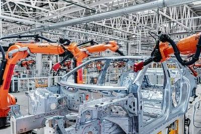 蔚来:蔚来ET7首批全工艺生产线试制车正式下线