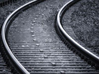 高盛:广深铁路给予买入评级 目标价降至3.4港元