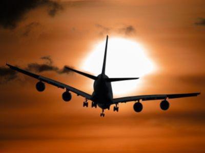 交银国际:国泰航空维持中性评级 目标价11.11港元