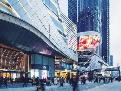 龙湖集团前4个月合同销售金额同比增36%至823.3亿元