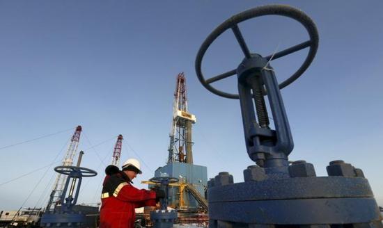 在欧佩克放松减产要求之前,俄罗斯7月份略微增加了石油产量