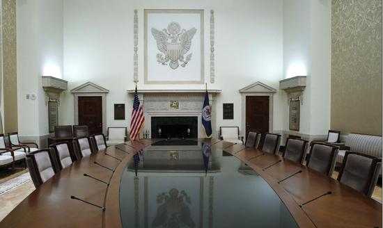 美联储2020年决策官员鹰派成分转淡 降息门槛或降低