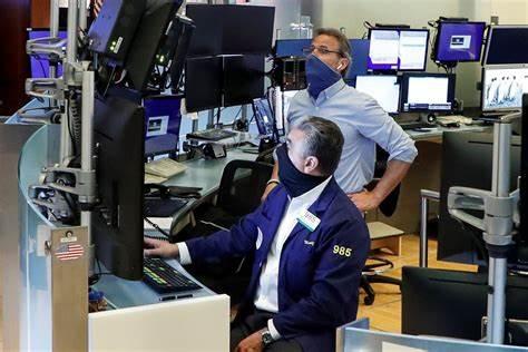 收盘:非农数据提振美股上扬 标普指数连续7日创新高