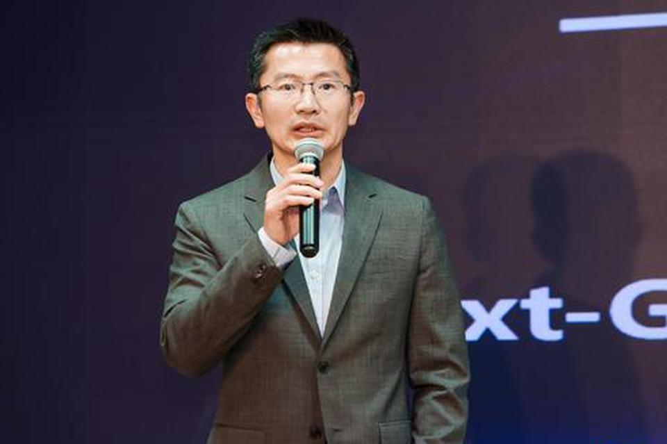 """富易堂是不是黑网 - 中国加油!上千名香港市民在中环商场""""快闪""""集结合唱国歌"""