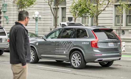 无人汽车撞人致死案:初步调查显示责任或不在优步