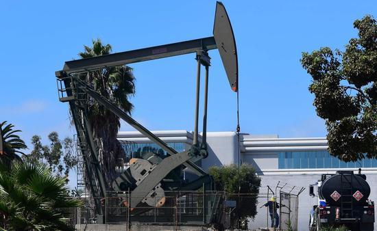 周四美油收高1%创一年新高 布油收涨0.7%