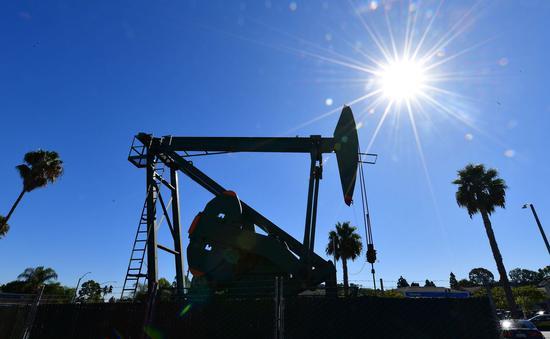 周二原油期货收高 天然气期货价格重挫7%