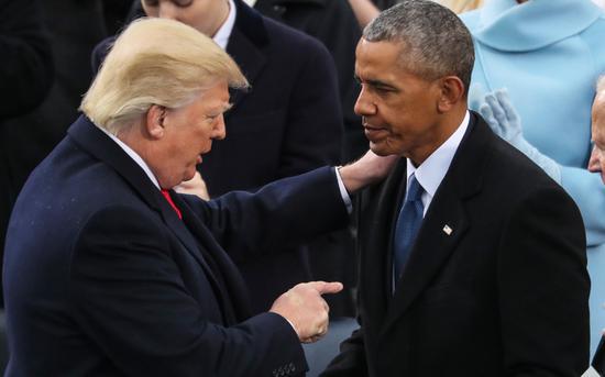 奥巴马暗讽特朗普:当总统不该看电视 别玩社交媒体