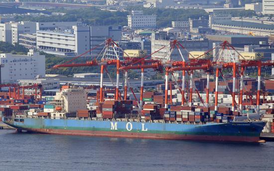 日本12月出口两年多来首次增长 对华出口增长10.2%