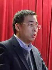 中华财险董事长·梅孝峰