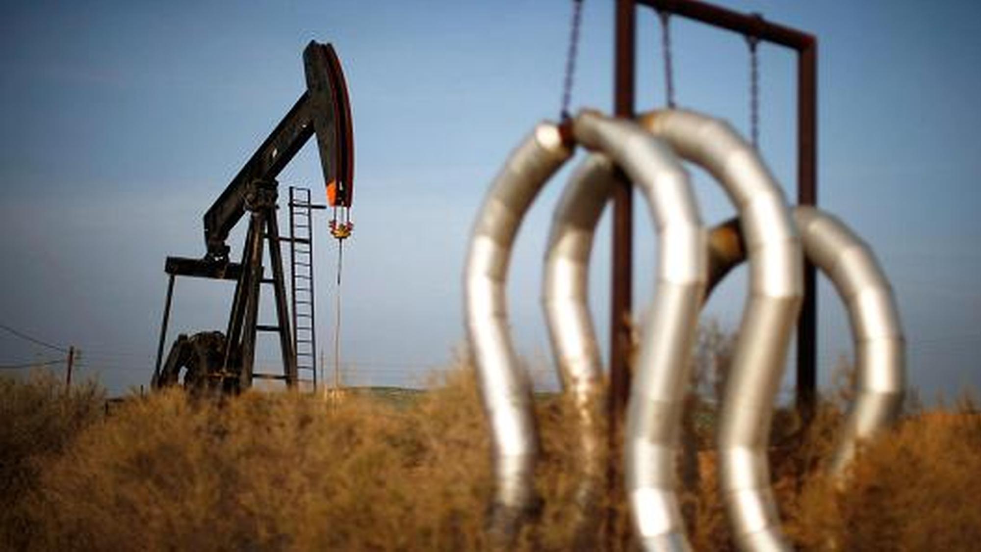 周五美国WTI原油小幅收跌 本周累涨1.7%