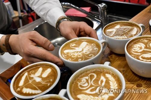 资料图片:咖啡(韩联社/法新社)