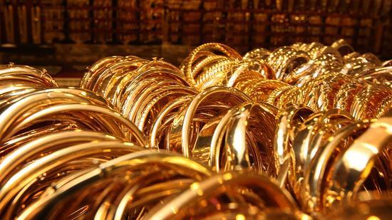 周二黄金期货收高0.7% 创近4周新高